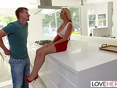 Smoking hot blonde milf in red shoes with high heels, desper...