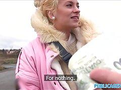 Распутная блондинка любит встречаться с новыми людьми и иметь случайный секс приключения в различных местах