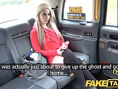 Petite blonde babe is getting fucked in the back of a taxi, ...
