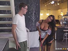 Buddy Hollywood is about to fuck his smoking hot maid, Augus...