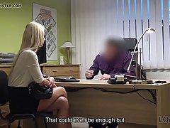 Блондинка пришла на собеседование и трахнулась в офисе с будущим начальником