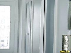 Девушка с большими сиськами и волосатой киской обожает хардкор с другом