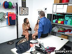 Две девушки и один парень в офисе устроили друг для друга гр...