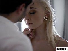 Блондинка после минета раздвинула ноги для страстного хардкор секса