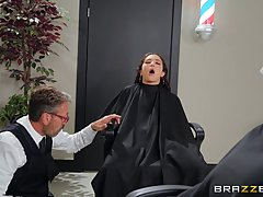 Kinky barber is licking and fucking pussy while at work, eve...