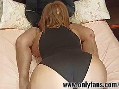Толстушка мамочка с огромной задницей согласилась на домашнее порно с другом