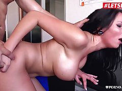 Big titted, college girl, Jolee Love is sucking dick and get...