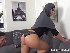Muslim woman is sucking cocks like a real pro and getting fu...