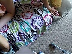 Красотка с большой задницей во время домашнего порно встала ...