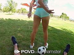 Горячие девушки получают оргазм перед камерой и стонут от удовольствия
